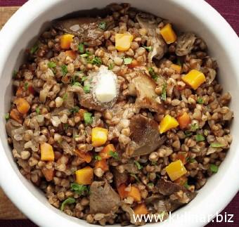 Каша гречневая с овощами и грибами