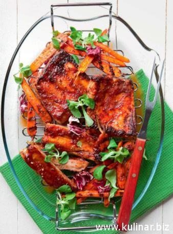 Свиные ребра с карамелизованной морковью