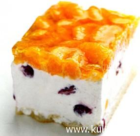 Легкий йогуртовый торт с вишней и мандаринами