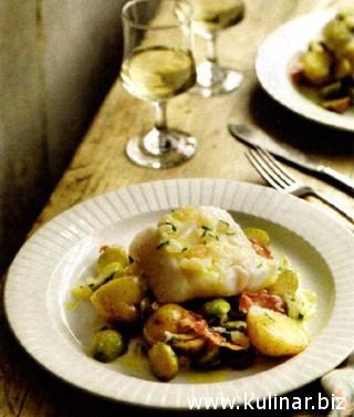 Жареная сайда с молодым картофелем и брюссельской капустой