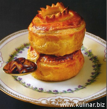 Пирог с мясом козленка и белыми грибами