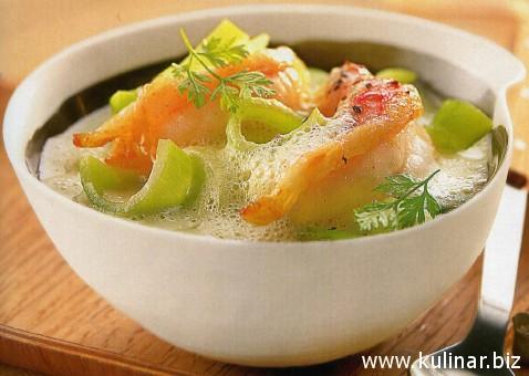 Суп-капучино с луком-пореем и лангустинами