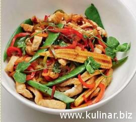 Стир-фрай с индейкой и овощами