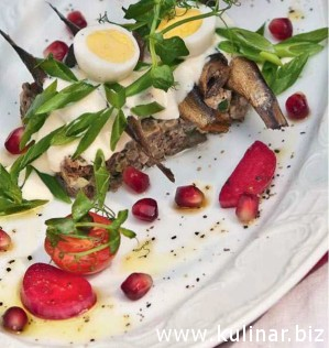 Закуска с рижскими шпротами и бородинским хлебом