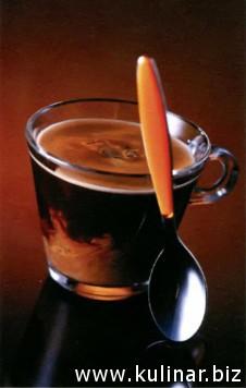 Кофе со сливками и «Амаретто»