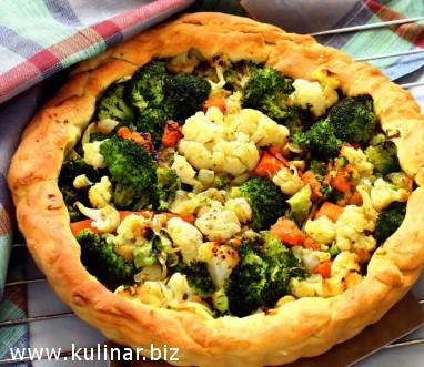 Пирог с цветной капустой, брокколи и тыквой