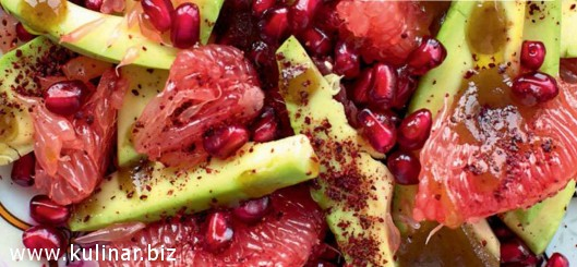 Салат с грейпфрутом, авокадо и гранатом