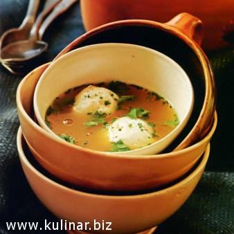 Насыщенный куриный суп сшариками из малы