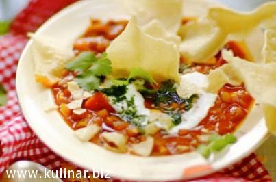 Чечевичный суп с пряными овощами